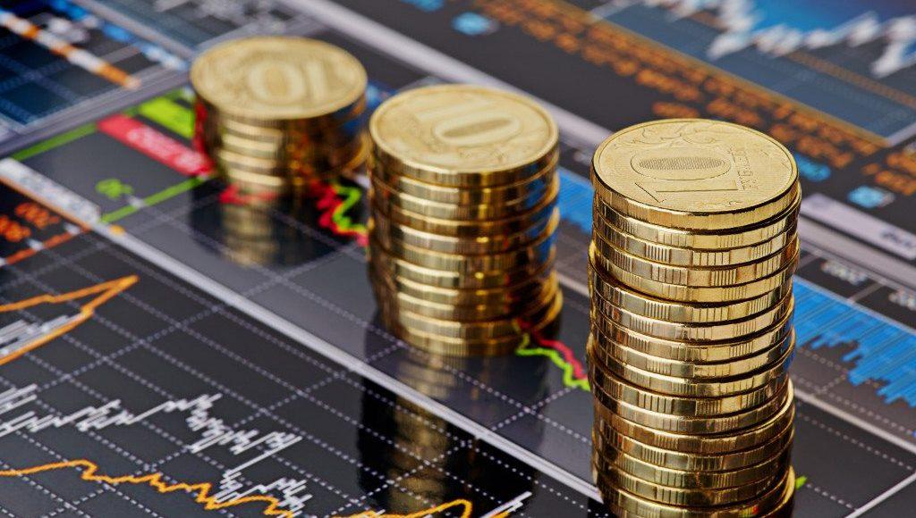 أيهما أفضل الاستثمار في الذهب أو تداول الأسهم في 2021؟