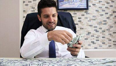 من مواطن عادي إلى رجل أعمال ناجح – جمع مواطن أمريكي ثروة ضخمة في عدة أشهر قبل سن الـ 30 ثم تقاعد من عمله